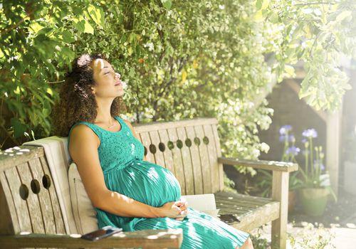 pregnant woman sunshine
