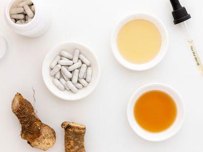 Horseradish root, capsules, tincture, and extract