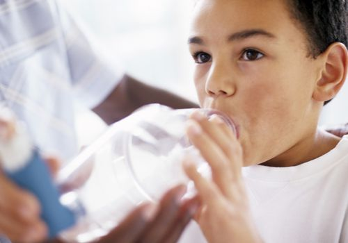 child using Asthma spacer